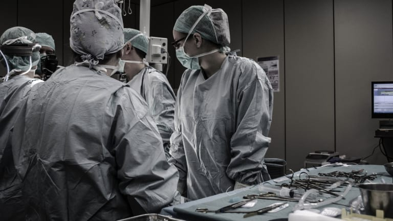 What Should Patients Know About Robotic Surgery for Gynecologic Cancer?