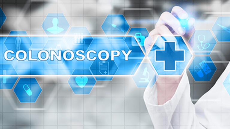 Virtual Colonoscopy Detects Large Polyps Found with Visual Colonoscopy